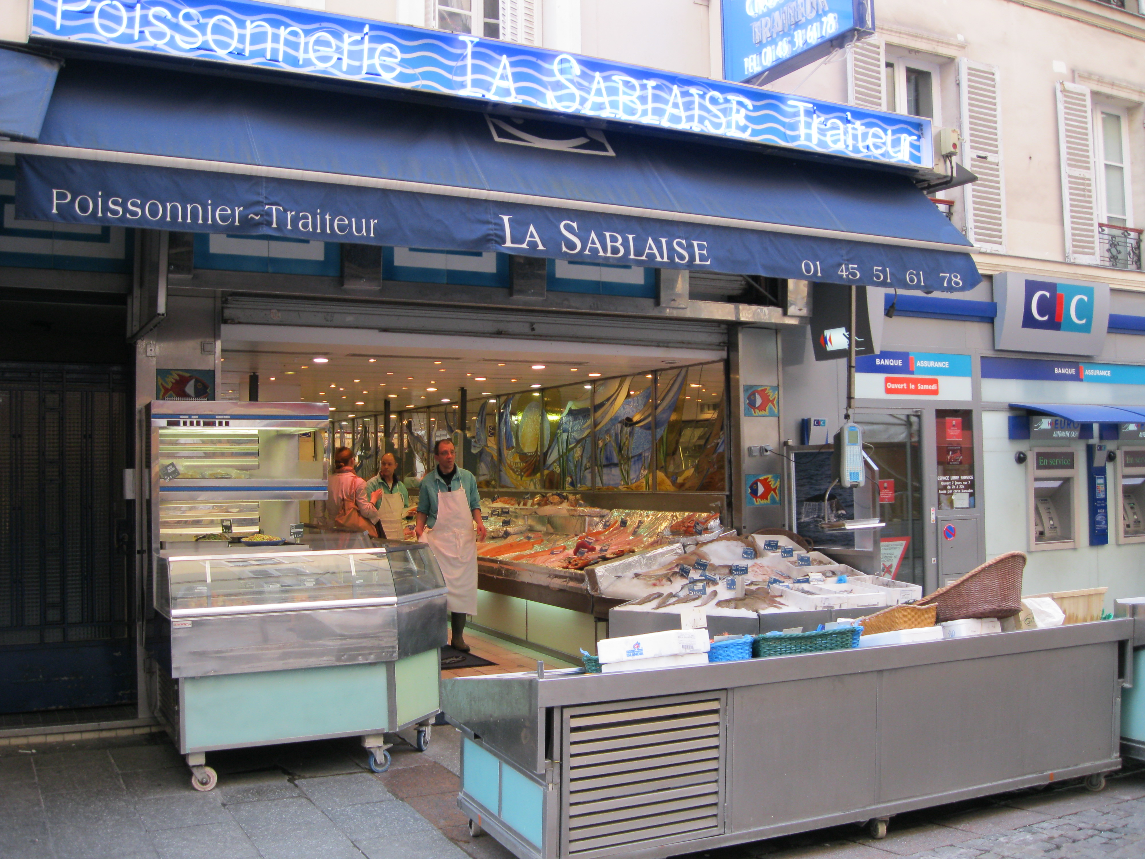 Shopping rue cler the very french way to eat in paris for The fish store