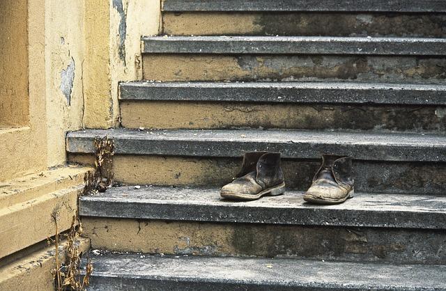 shoe-age